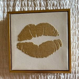 lip art frame